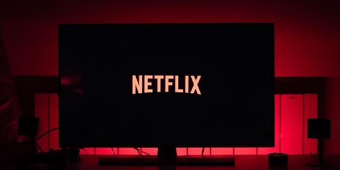В Netflix ввели рублевые тарифы и местную локализацию